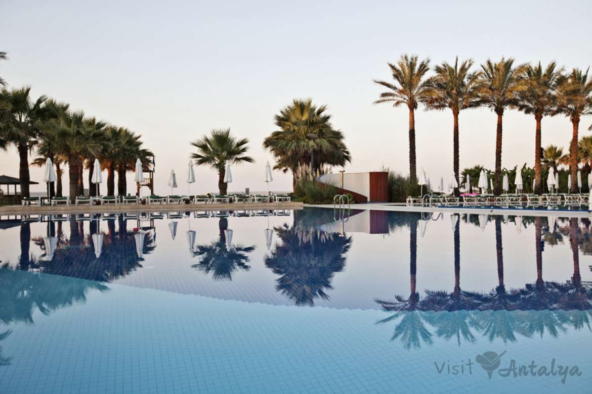 Cornelia Deluxe 7 Nights 4x Rounds Golf at 3x Faldo 1x National